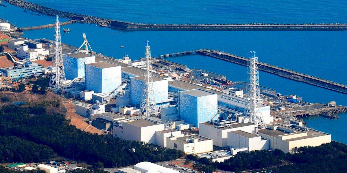 Japón tirará un millón de toneladas de agua contaminada de Fukushima en el mar