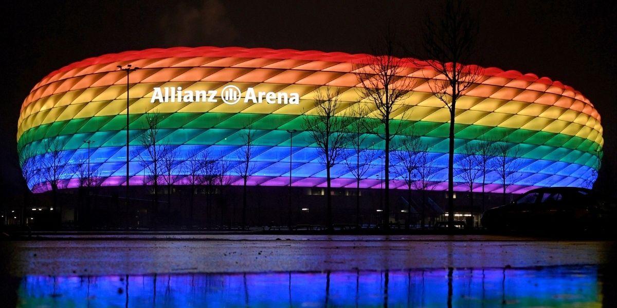 La UEFA rechazó la petición de iluminar el Allianz Arena con la bandera arcoíris
