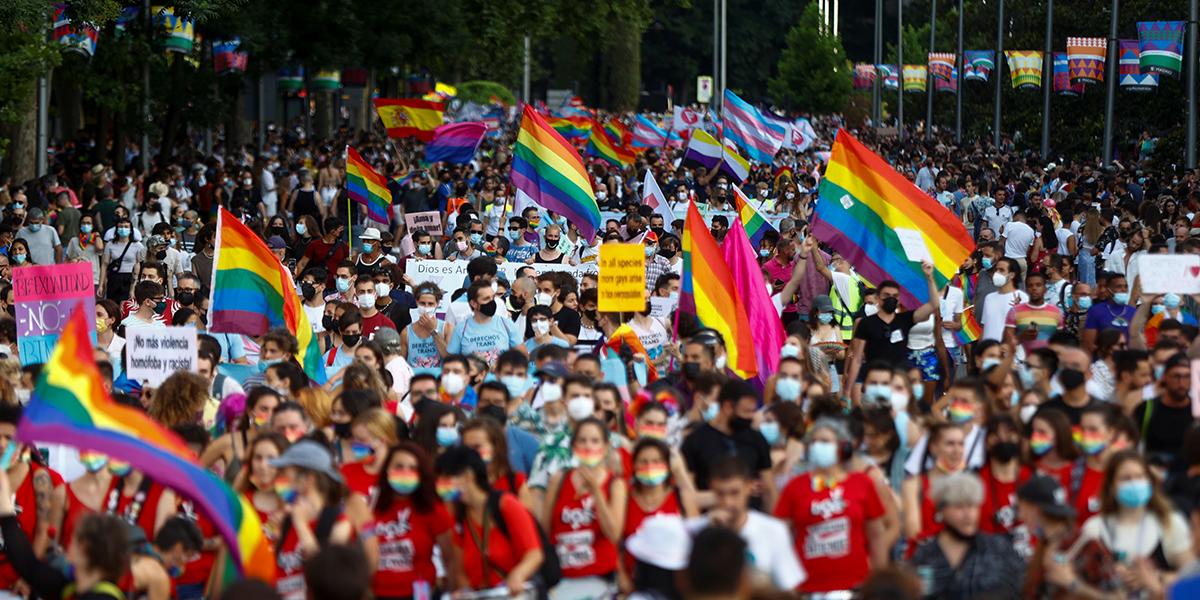 Conmoción en España por el asesinato de aparentes tintes homófobos de un joven de 24 años