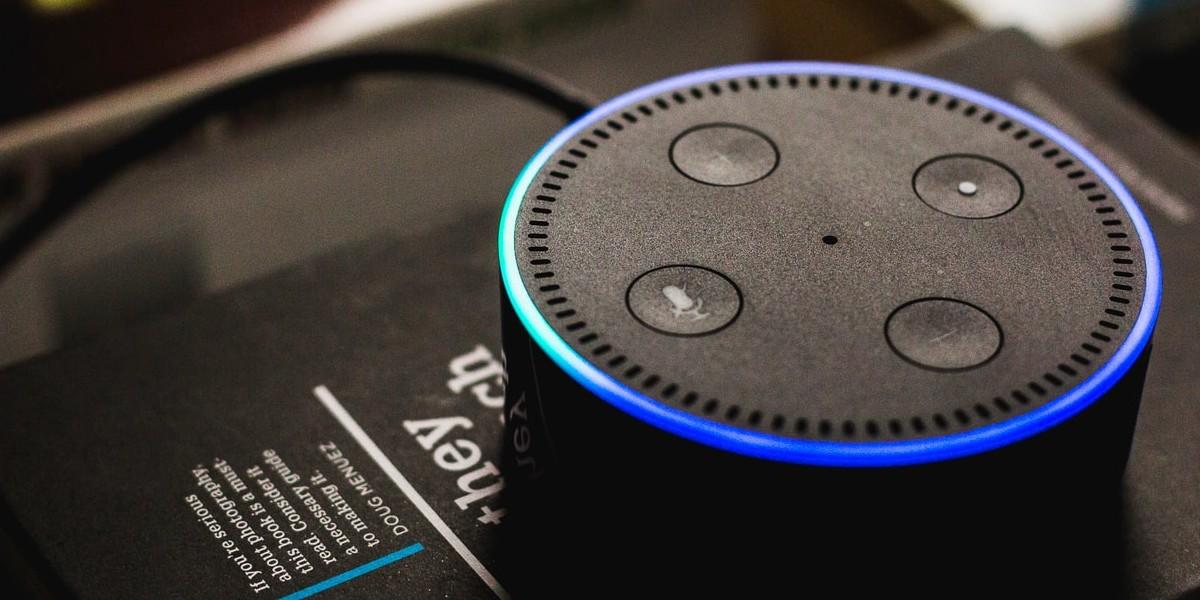 Amazon extinguió (sin querer) el nombre 'Alexa': cada vez menos personas se llaman así