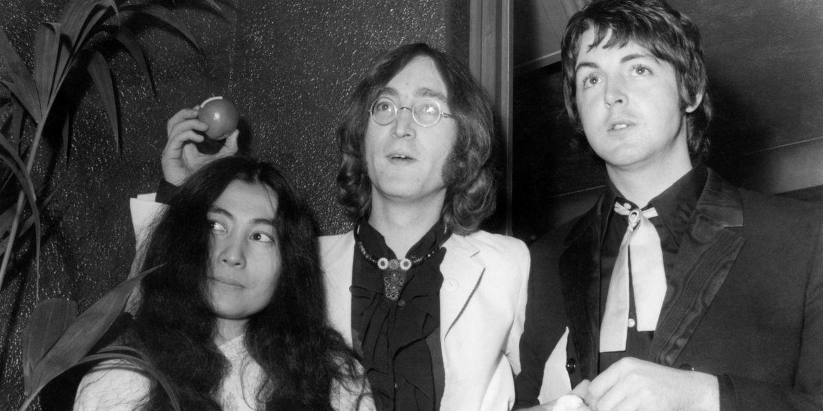 ¿Yoko Ono realmente influyó en la separación de The Beatles?